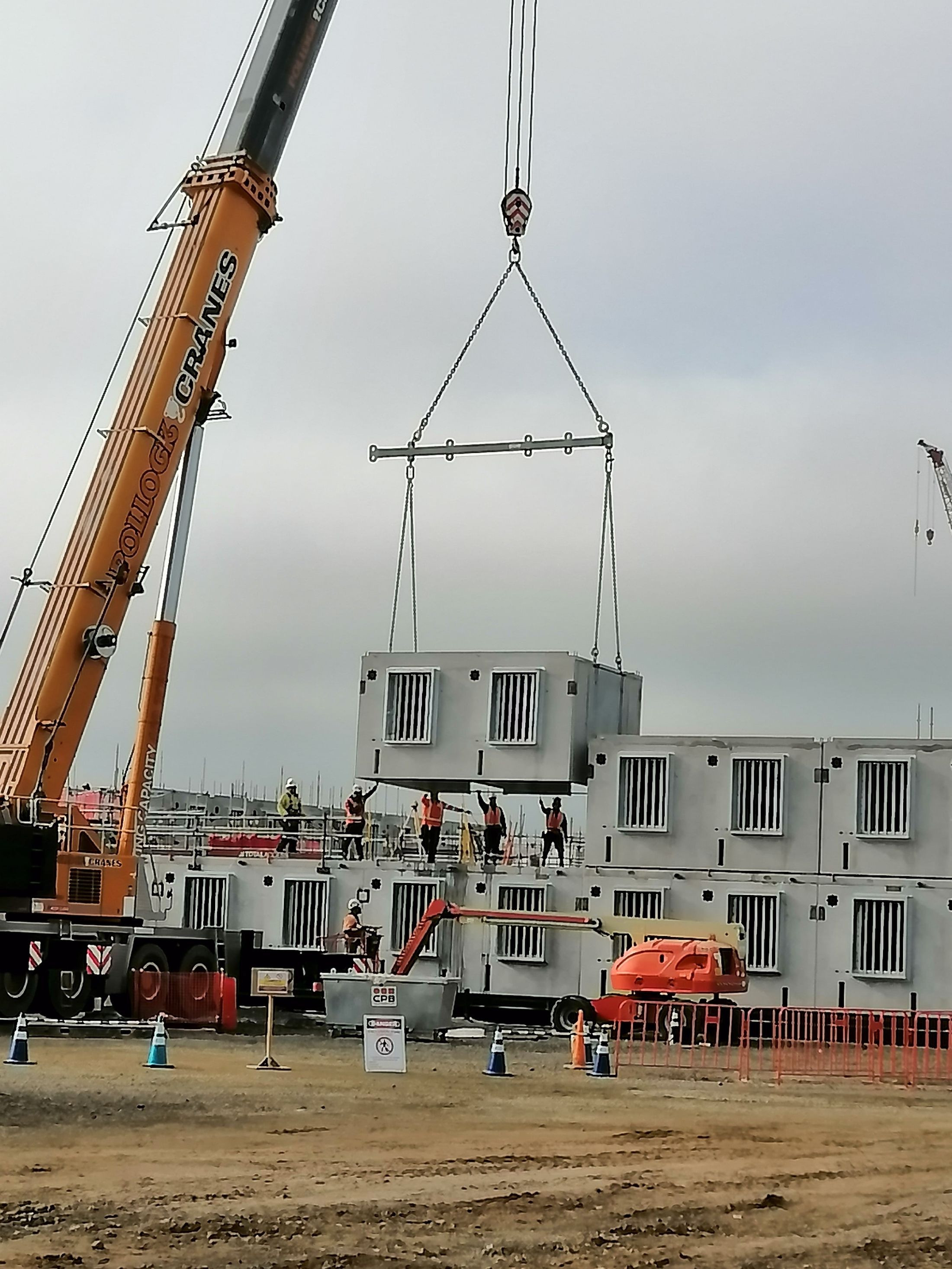 Stacking cell modules provided rapid construction